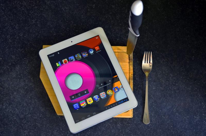 Обновленное семейство своих планшетов yoga tablet 2 компания lenovo клавиатура